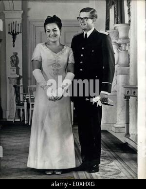 Jan. 02, 1967 - THEY WILL WED ON JANUARY 10. PHOTO SHOWS:- This picture of Princess Margriet of Holland and Mr. - Stock Photo