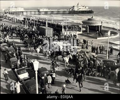 Jan. 21, 1967 - The East Sussex Hunt Start From The Sea Front At Eastbourne: The East Sussex hunt was held today - Stock Photo