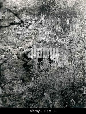 Apr. 04, 1967 - Hunt for Maniac killer of two 10 year old girls in the Berkshire village of Beenham: Two 10 year - Stock Photo