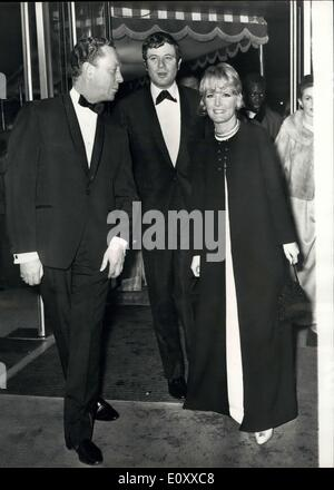 Dec. 13, 1967 - Premiere Of The Film ''Doctor Dolittle'': h.m. The Queen last night attended the premiere if the - Stock Photo