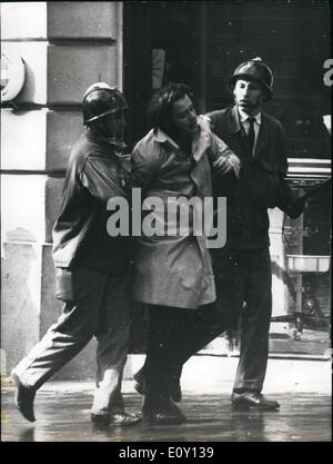 May 05, 1968 - Student Riots In Paris: The latin quarter in chaos yesterday as thousands of Paris students clashed - Stock Photo