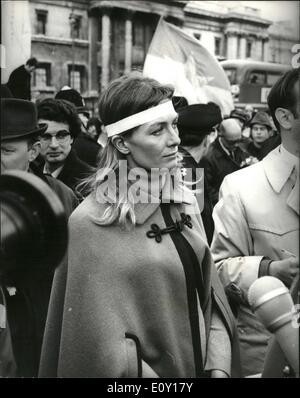 Mar. 03, 1968 - Anti - Vietnam demonstrators hold mass meeting in Trafalgar Square and march to U. S. Embassy: The - Stock Photo
