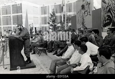 Leader Fidel Castro speaks at graduation - Stock Photo