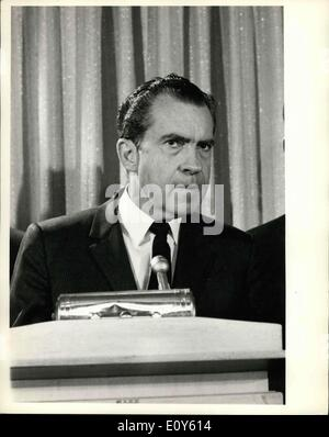 a biography of richard nixon the 37th president of united states Richard nixon was elected the 37th president of the united states (1969-1974)   born in california in 1913, nixon had a brilliant record at whittier college and.