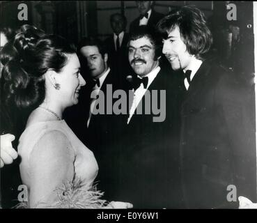 Dec. 12, 1968 - Princess Chats With Pop Star: Princess Margaret talking with Graham Nash (extreme right), 26-year - Stock Photo
