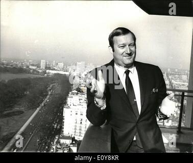 Feb. 02, 1969 - Man who purchased London bridge gives press conference on the rebuilding of the bridge: Mr. Bob - Stock Photo