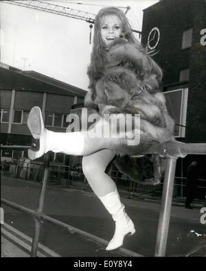 Feb. 02, 1969 - Heidi Bruhl German 'Pop'' singer arrives in London: Heidi Bruhl the 27 year old German 'Pop' singer - Stock Photo
