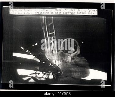 Jul. 21, 1969 - Man On The Moon: Photo shows This NASA official picture, radioed to London from Sydney, Australia, - Stock Photo