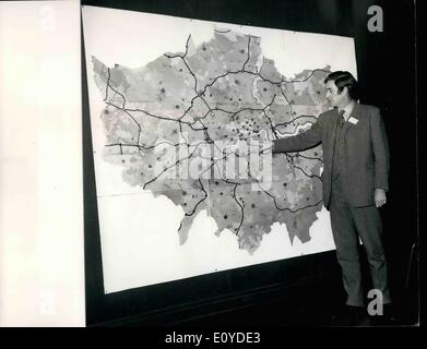Dec. 12, 1969 - Royal Institute Of British Architects Press Conference On The Greater London Development Plan: The - Stock Photo
