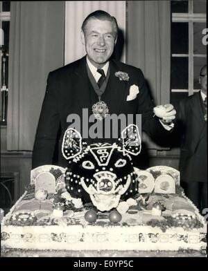Jan. 14, 1971 - Traditional Gift Of Boar's Head To The Lord Mayor: Harold Swain, Master of tte Worshipful Company - Stock Photo