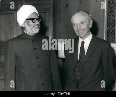 Jun. 06, 1971 - Indian Foreign Minister Meets Britain's Foreign Secretary.Indian Foreign Minister Swaran Singh seen - Stock Photo
