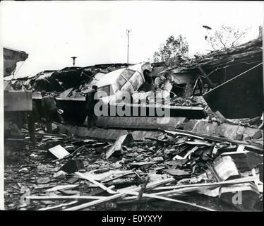 Oct. 10, 1971 - 13 Killed In Shops Explosion: Thirteen people were killed and many injured when an explosion devastated - Stock Photo