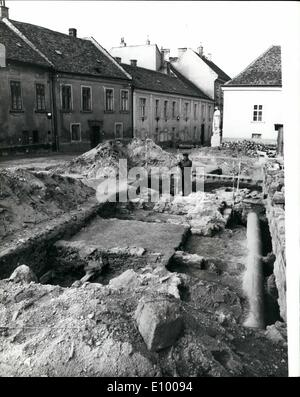 Jan. 01, 1972 - TOMB OF HUNGARIAN NATION'S FIRST RULER BELIEVED FOUND IN WESTERN HUNGARY. Archaelogists excavating - Stock Photo