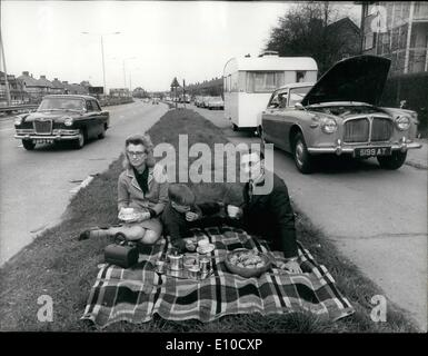 Apr. 04, 1972 - Breakdown Family in 5 Night Wait. Mr. Harry Gilbert, 48, a publican, of West Twyford, Mddx, and - Stock Photo