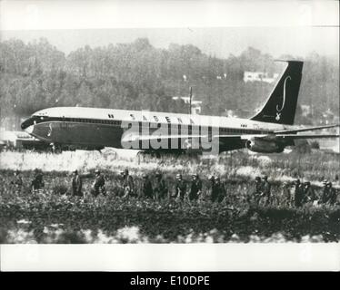 May 05, 1972 - Two Boeing hijacked shot dead: All the 100 passengers on the hi jacked Boeing 707 of Sabena Airliner - Stock Photo