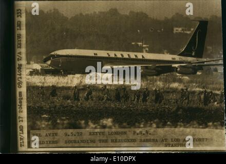 May 05, 1972 - Two Boeing Hijackers shot dead: All the 100 passengers on the Hi-jacked Boeing 707 of Sabena Airliner - Stock Photo