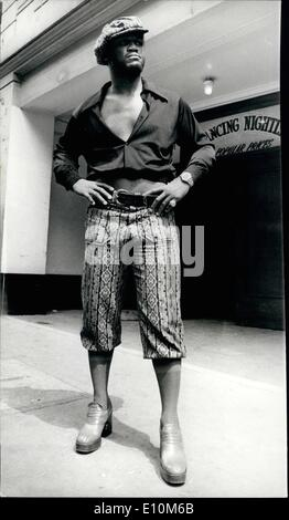 Jun. 06, 1973 - Fashion plate Joe Frazier.: Photo shows the former world heavyweight champion, Joe Frazier, where - Stock Photo