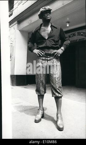 Jun. 06, 1973 - Fashion Plate Joe Frazier: Photo Shows The former World heavyweight champion, Joe Frazier, wore - Stock Photo