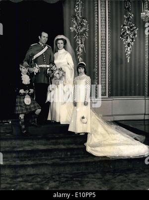 Nov. 14, 1973 - Royal Wedding: Photo Shows Princess Anne and Capt. Mark Philips pose in the Throne Room at Buckingham - Stock Photo