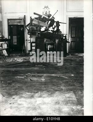 Oct. 10, 1974 - Bomb Explosion At London Club: Today's picture of the scene of last night's bomb explosion at Brocke's - Stock Photo
