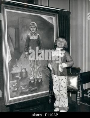 Nov. 11, 1974 - Four Year Old ''Miss Pears 1974'' Unveils Her Portrait Four year old Katie Goodwin, of Stalybridge, - Stock Photo