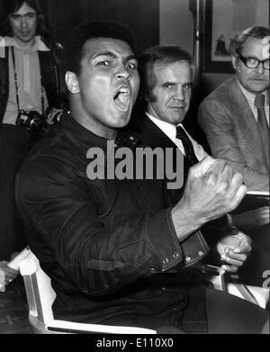 Boxer Muhammad Ali at press conference - Stock Photo