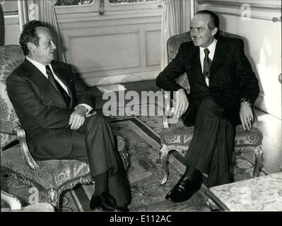 Apr. 28, 1975 - Returning the visit of his French counterpart Jean Sauvagnargues, Israel's Minister of Foreign Affairs - Stock Photo