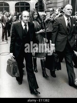 Jul. 07, 1975 - Runaway MP John Stonehouse is remanded in custody after appearing at Bow street Court today.: Mr. - Stock Photo