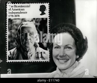 Mar. 03, 1976 - America's New Ambassador previews special issue of British Stamp to mark 200th Anniversary of American - Stock Photo