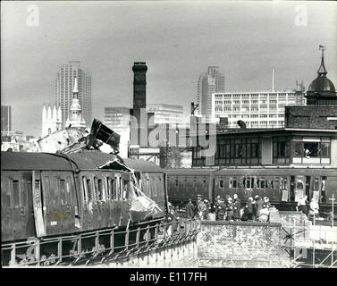 Mar. 03, 1976 - A Bomb Blasts an Empty Train in London. A bomb exploded on an empty train that was leaving Cannon - Stock Photo