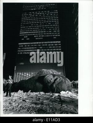 Jun. 06, 1976 - King Kong filming at World Trade Center new production by Dino de . Photo shows beauty: Jessica - Stock Photo