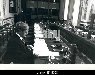 May 05, 1977 - MINISTERIAL MEETING OF NORTH ATLANTIC TREATY ORGANISATION LONDON 10/11 MAY 1977 This photo is N.A.T.O. - Stock Photo