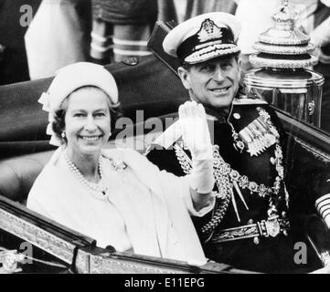 Elizabeth II and Prince Philip after Silver Throne Jubilee - Stock Photo
