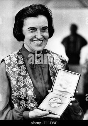 Oct 05, 1977; Stockholm, Sweden; Winner of a Nobel Prize, Medicine Laureate ROSALYN YALOW from New York, at the - Stock Photo