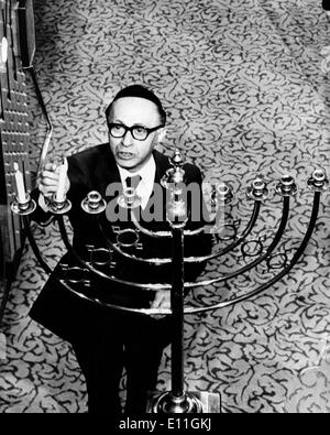 Dec 06, 1977; London, England, UK; The 6th Prime Minister of Israel MENACHEM BEGIN lighting a candle to commemorate - Stock Photo