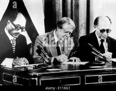Egyptian President ANWAR AS SADAT, JIMMY CARTER and Israeli Prime Minister MENACHEM BEGIN - Stock Photo