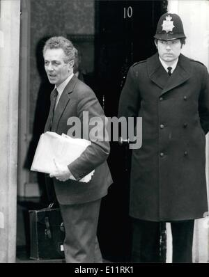 Jan. 01, 1980 - Sir Keith Joseph arrives at No 10 for talks . Photo shows Sir Keith Joseph , Industry secretary - Stock Photo