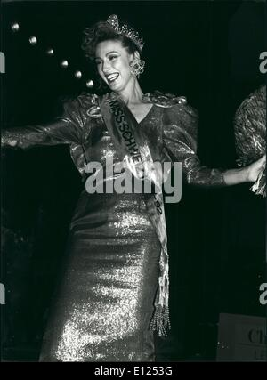 Jun. 06, 1991 - Happy smiling: Happy smiling Sandra Aegerter after she won the title Miss Switzerland 1991 in Zurich, - Stock Photo