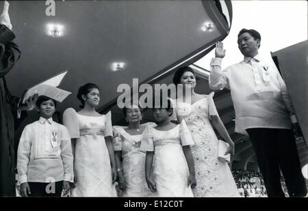 Dec. 16, 2011 - Manila, Philippines – Philippine President Ferdinand E. Marcos takes oath of office for his - Stock Photo