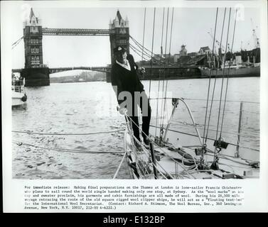 Feb. 26, 2012 - For immediate release: Making final preparations on the Thames at London is lone-sailor Francis - Stock Photo
