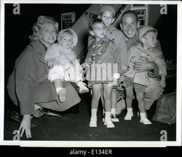 Feb. 26, 2012 - N.Y. International Airport, Nov. 2. Jose Ferrer, his songbird wife, Rosemary Clooney, and their - Stock Photo