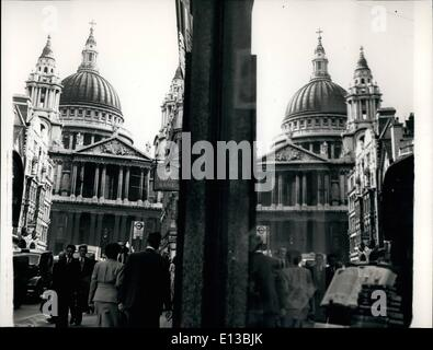 Feb. 29, 2012 - An unusual view of St. Paul's cathedral mirrored is one of the shop windows on Ludgate Hill. - Stock Photo