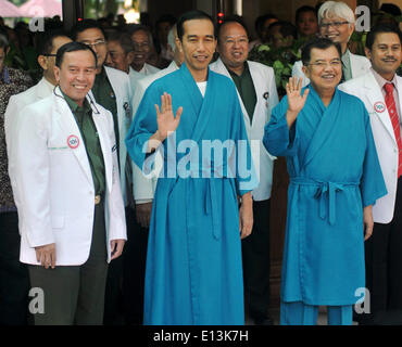 Jakarta, Indonesia. 22nd May, 2014. Indonesian presidential candidate Joko Widodo (C, front) and his running mate - Stock Photo