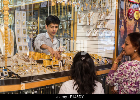 Oman, Muscat, Mutrah old city center. Gold shop - Stock Photo