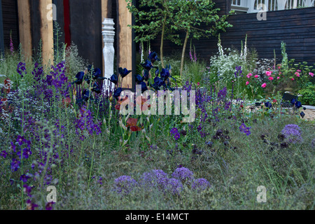 Wine coloured planting in The Cloudy Bay Sensory Garden at RHS Chelsea Flower Show 2014 - Stock Photo