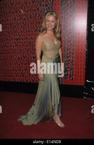JESSICA CAPSHAW 2000.Valentino party at Pacific Design Center in Los Angeles.k20401fb.(Credit Image: © Fitzroy Barrett/Globe - Stock Photo