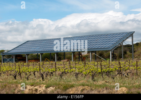 Solar Panels On Farm Buildings In Holland Stockfoto
