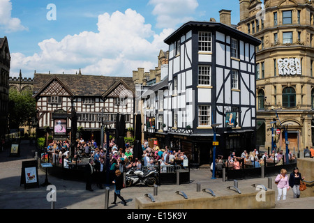 The Old Wellington Inn and Sinclairs Oyster Bar in Manchester city centre UK - Stock Photo