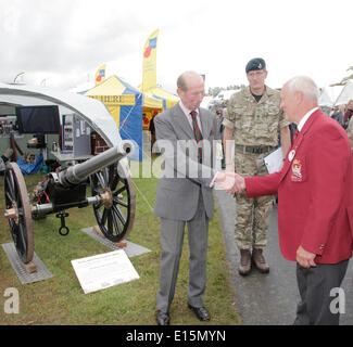 Exeter, Devon, UK, 23rd May, 2014. Devon County Show The Duke of Kent meets member of the Devonport Field Gun Association. - Stock Photo