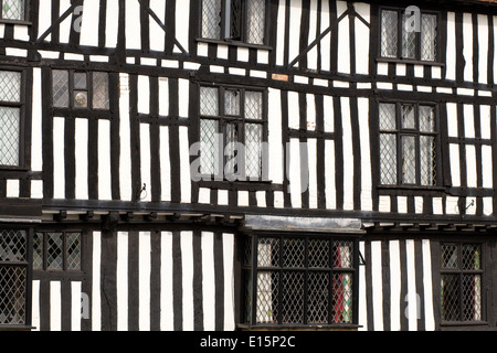 15th century black and white half timbered almshouses in Church Street, Stratford-upon-Avon - Stock Photo